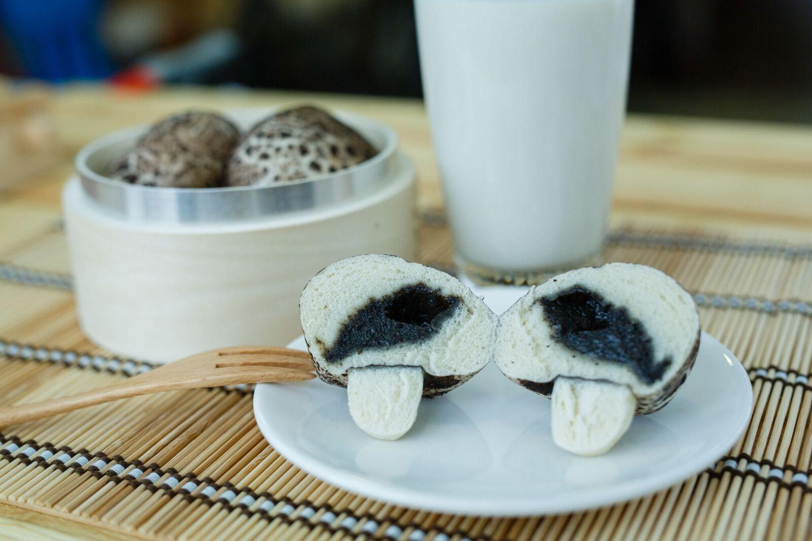 洋卡龍超擬真菇菇包-黑芝麻口味